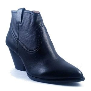 FRYE Reina Ankle Boot Black Leather Like New 9